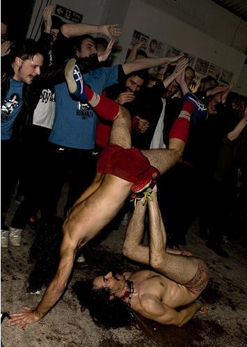 Monotonix - acrobatics