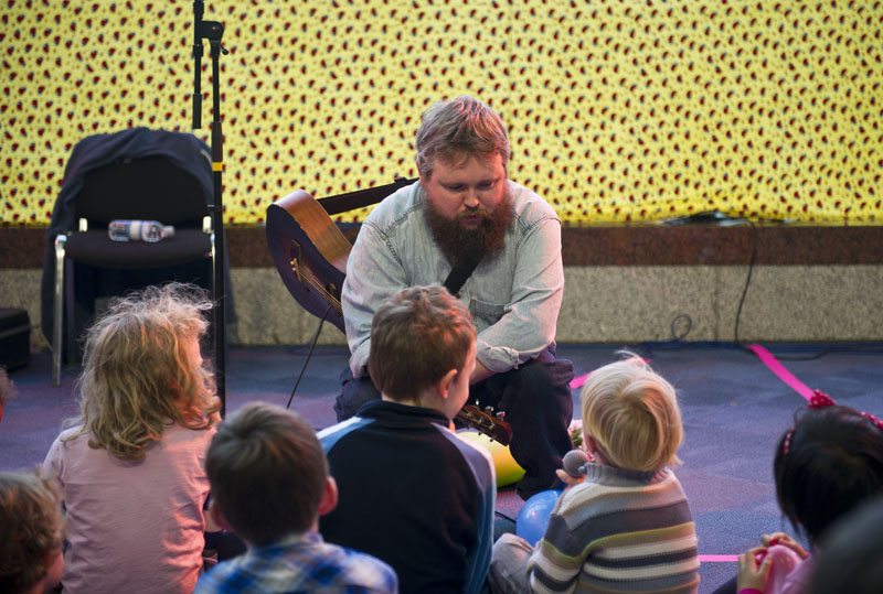 Richard Dawson Singer Kids Gig With Richard Dawson